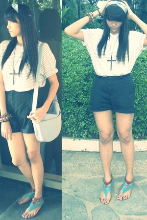 shoulder bag Lacoste bag - high-waisted shorts - cross necklace - striped blouse