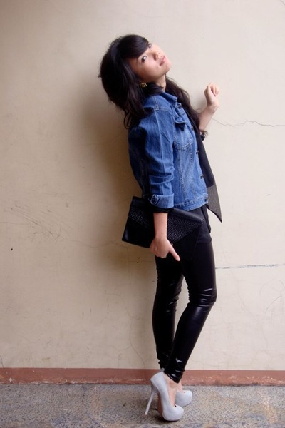 black blouse - black leggings - black wallet - blue jacket - gray shoes - gold e