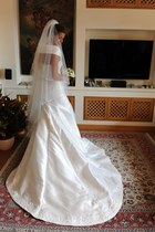 white Alessandra Ciani couture dress