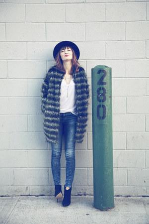 H&M Trend coat - Aldo boots - bella luxx t-shirt
