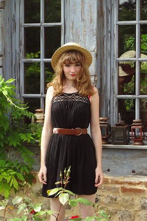 black H&M dress - camel H&M hat