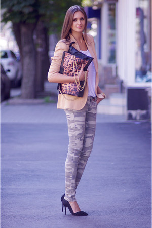 black vjstyle bag - nude Zara blazer - dark khaki pull&amp;bear pants