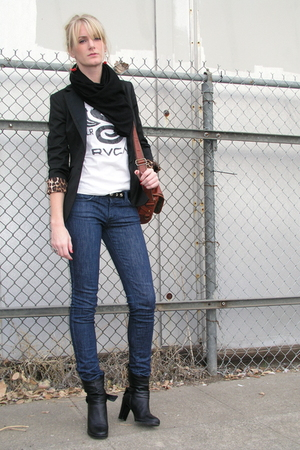 Express jacket - RVCA t-shirt - vintage purse - rock and republic jeans - Aldo b