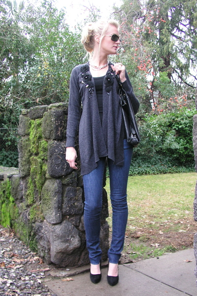 black Forever 21 shoes - blue rock and republic jeans - gray Forever 21 cardigan