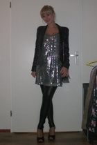 Zara dress - Oasis blazer - Bershka leggings - H&M shoes - Primark accessories