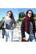blue boyfriend jeans Zara jeans - crimson burgyndy Zara scarf