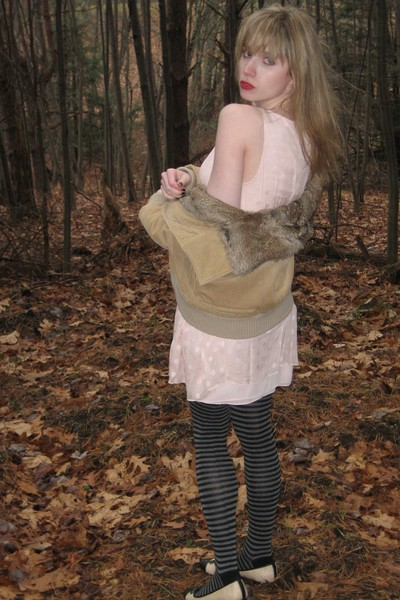 beige Theory jacket - pink milly dress - gray HUE tights - beige delman shoes