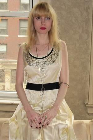 ivory silk milly dress - silver chain vintage necklace