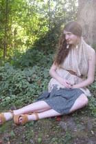 cream knit Lulus scarf - bronze flatform Steve Madden heels - tawny vintage belt