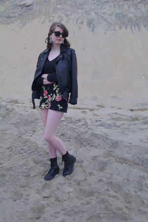 black floral vintage shorts - black combat Target boots