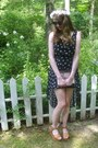 Black-shop-calico-dress-black-heart-uknown-sunglasses