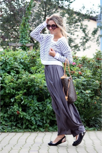 charcoal gray Zara skirt - H&amp;M sweater - Prada sunglasses - Burberry flats