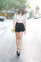 red asos top - black H&M hat - black Jonak wedges