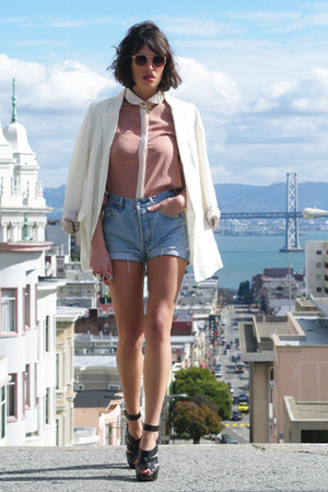 ivory Zara jacket - neutral Queens Wardrobe shirt - blue Levis shorts - neutral
