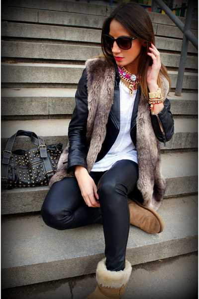black Zara jacket - camel Ugg Australia boots - black Purificacion Garcia bag