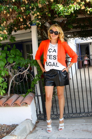 black H&M shorts - carrot orange cropped cotton Kika Paprika jacket