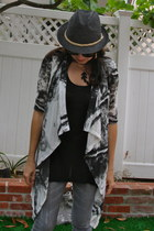 black straw fedora Forever 21 hat - heather gray skinny jeggings elle jeans