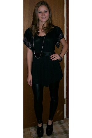black Miley Cyrus leggings - black TJ Maxx shirt - black Charlotte Russe boots -
