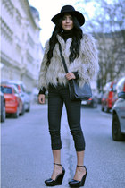 tan fur Zara coat - black fedora warehouse hat - black crossover Zara bag