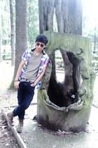 camel pull&bear t-shirt - light brown Levis boots - hot pink pull&bear shirt
