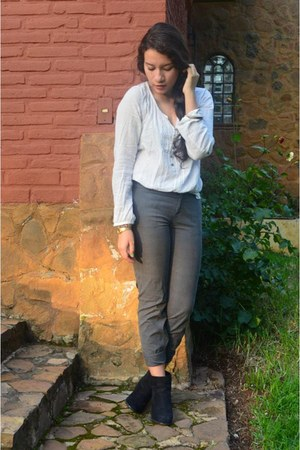 Urban Outfitters boots - calvin klein pants - Bershka blouse