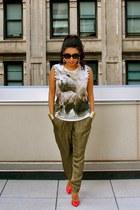 bear print Zara top - baroque Prada sunglasses - charol Zara heels