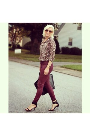 Old Navy jeans - Ray Ban sunglasses - Zara heels - vintage blouse