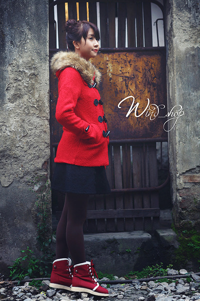 red coat - dark gray tights - black skirt - maroon sneakers