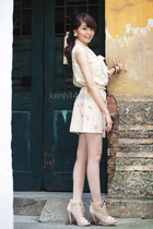 beige shoes - salmon floral skirt - ivory lace top