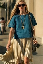 beige pleated skirt skirt - denim shirt t-shirt - necklace