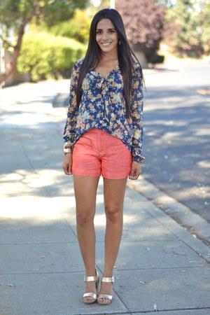 navy floral Zara blouse - light orange linen Anthropologie shorts