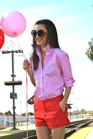 Ralph Lauren shirt - Zara shorts - Chloe sunglasses