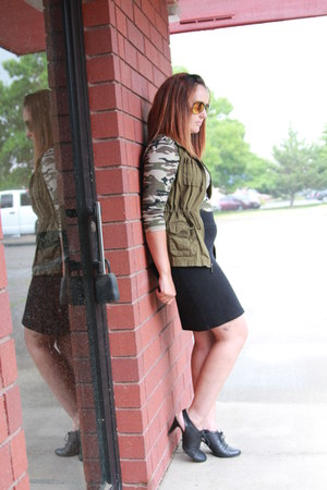 black Nine West boots - army green camo thrifted shirt