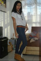 camel nine west boots - navy jeans - beige ring - ivory blouse