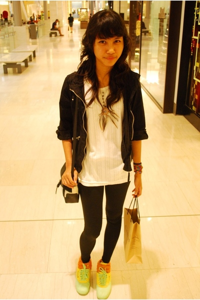 Kitschen jacket - Thrift Store t-shirt - flea market accessories - Forever21 leg