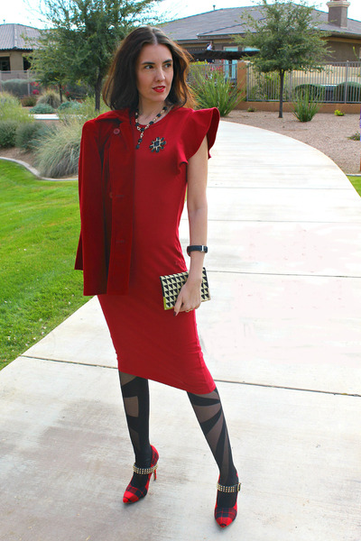 patterned Oroblu stockings - red midi asos dress - plaid Shoedazzle pumps