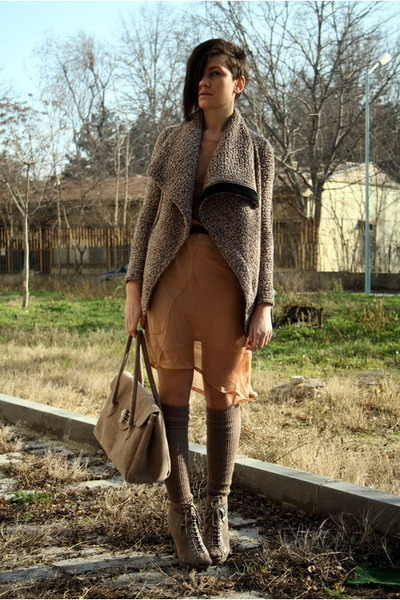 Nude-dress-tan-stradivarius-socks-tan-boots-tan-