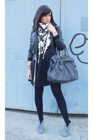 H&amp;M jacket - Zara shoes - Zara scarf - Zara purse
