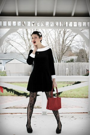 black velvet dress dress - black tights - brick red red plain bag bag