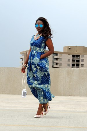 blue vintage dress - blue Ray Ban sunglasses
