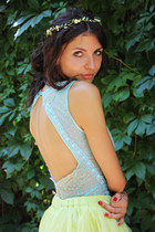 aquamarine Cernei bodysuit - light yellow Cernei skirt