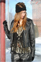 black leather twik jacket - black faux leather Forever21 shorts - black fringed
