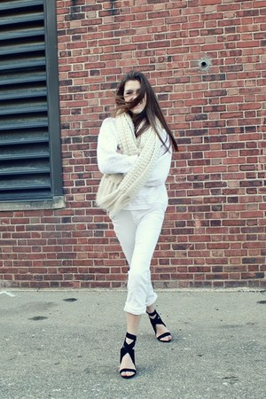 white wool Benetton vintage sweater - H&M scarf - white jeans J Brand pants