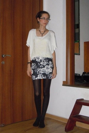 ivory blouse - black skirt