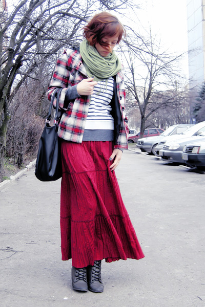 ruby red maxi boho Chloe skirt - brick red plaid hood E-Vie jacket