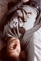 silver H&M t-shirt - dark khaki Zara cardigan - dark gray Zara jeans - black Zar