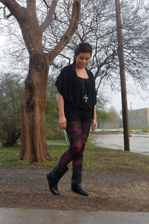 dark gray Hot Topic boots - purple Betsey Johnson tights