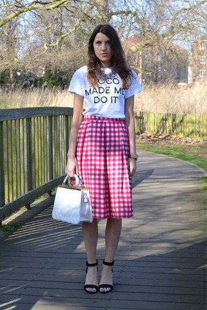 Primark skirt - la moda bag - In Love with Fashion t-shirt