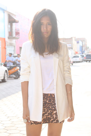 leopard print Shasa skirt - white pull&amp;bear blazer - white Andrea heels