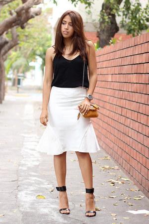 black Zara heels - mustard liz claiborne purse - black Zara blouse